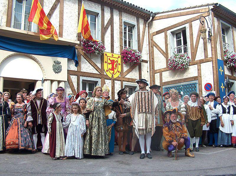 fête de la Renaissance François 1er en costumes