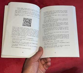 QR-code dans une page de livre